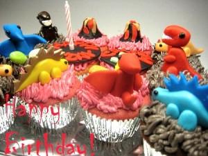 dinosaur-themed-birthday-cupcakes