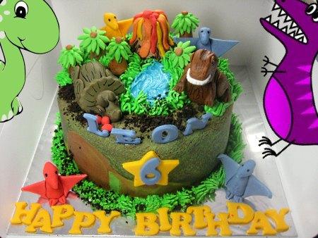 jurassic-happy-birthday-themed cake