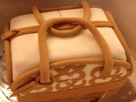 Couch-happy-birthday-themed cake