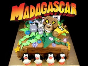 madagascar-birthday-cake
