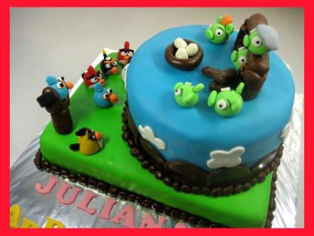 Angry-birds-Happy-birthday-decorated-cake