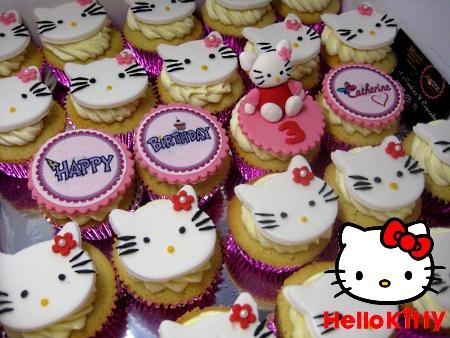 hello-kitty-birthday-cupcakes