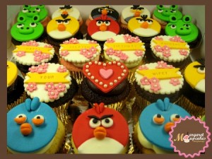 Angry-birds-happy-birthday-customized-cupcakes-order