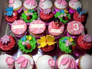 happy-birthday-customized-cupcakes-order