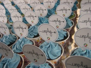 cupcakes-themed-toppers