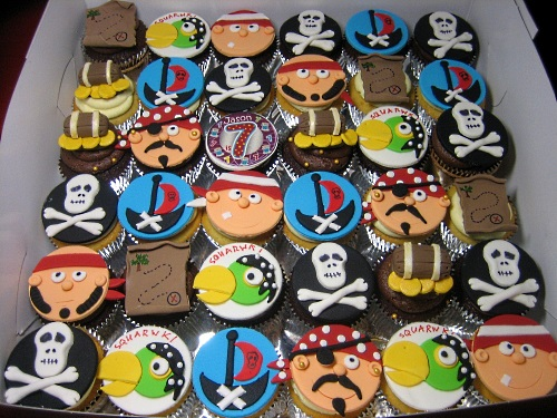 SEA-PIRATE-CUPCAKES