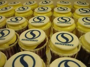 corporate-logo-cupcakes