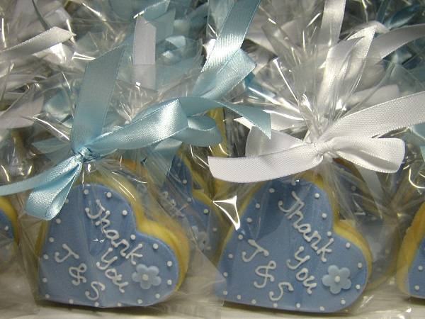 WEDDING HEARTSHAPED COOKIES