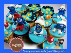smurf-themed-birthday-cupcakes
