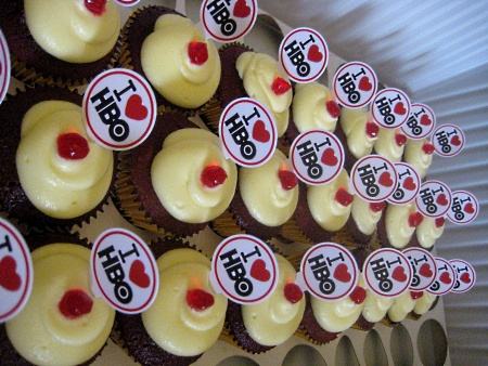 HBO-CORPORATE-ANNIVERSARY-CUPCAKES
