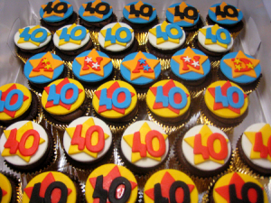personalized-birthday-cupcakes