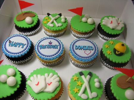 golf-decorated-birthday-cupcakes