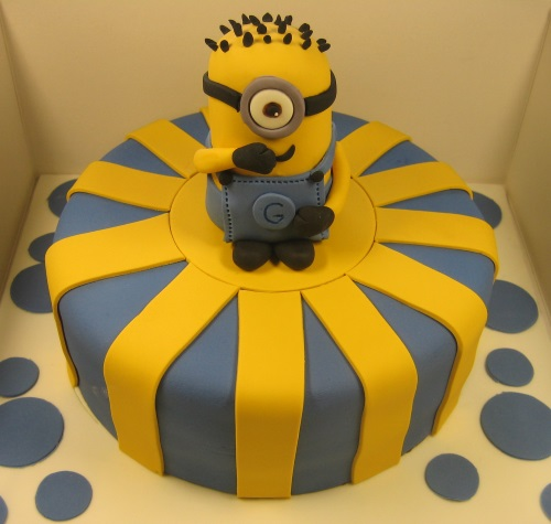 Minions 3D cake