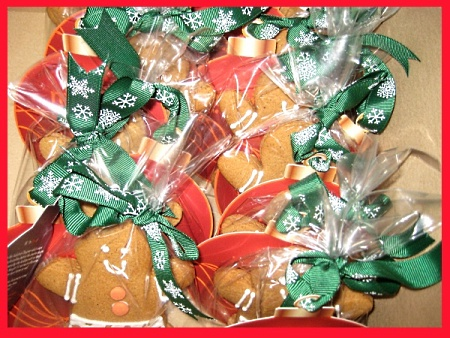 ginger-bread-man-Christmas-cookies-Singapore-delivery