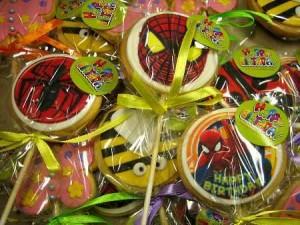 spiderman-beetle-flower-lollipop-creative-cookies