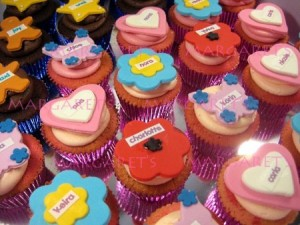 custom-cupcakes-with-name
