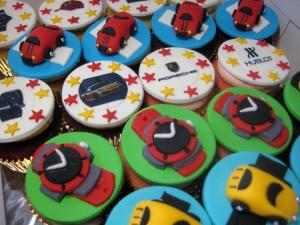 happy-birthday-customized-cupcake-order