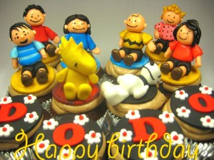 snoopy-happy-birthday-customized-cupcake-order
