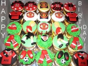 Man-U-happy-birthday-customized-cupcake-delivery