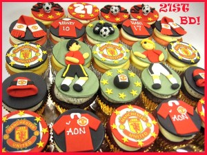 happy-birthday-Manchester-football-customized-cupcakes-delivery-order