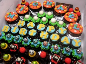 happy-birthday-customized-cupcakes-delivery-order