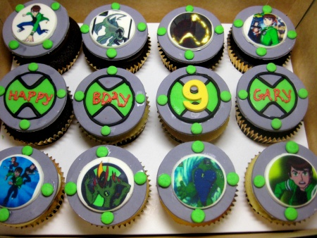 happy-birthday-customized-cupcakes-delivery- Singapore