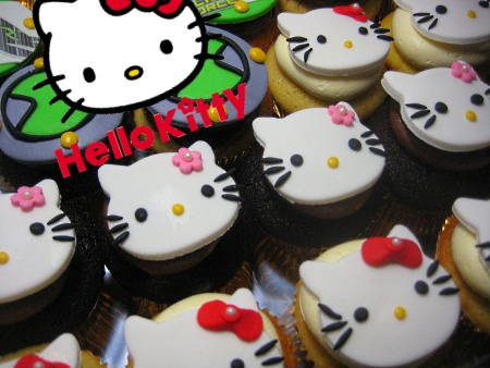 hello-kitty-birthday-cupcakes