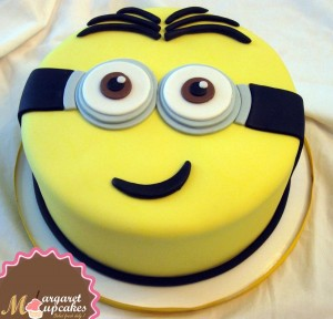 minions-Happy-birthday-themed-cake