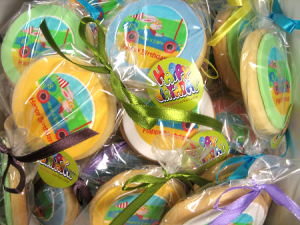 themed-event-motor-car-happy-birthday-cookies