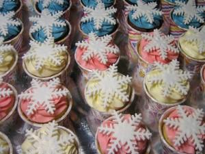 multicolor-frozen-cupcakes
