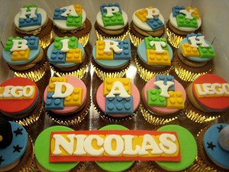 lego-birthday-cupcakes