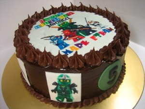 ninjago-Happy-birthday-themed-cake
