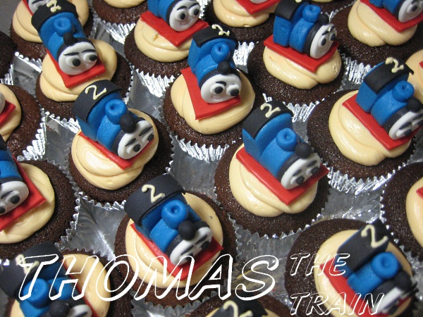 thomas-the-train-cupcakes
