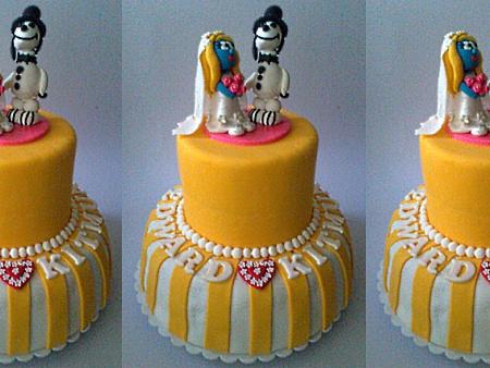 smurfette-wedding-themed-cake