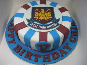 west-ham-happy-birthday-themed cake