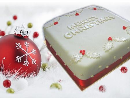 white-christmas-cake
