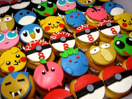 face-character-birthday-cupcakes