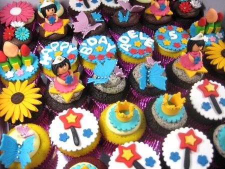 happy-birthday-princess-cupcakes