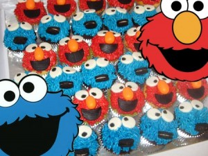 cookie-monster-themed-birthday-cupcakes