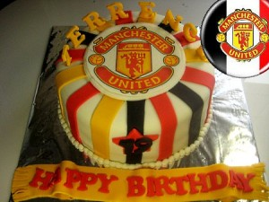 man-u-happy-birthday-themed cake