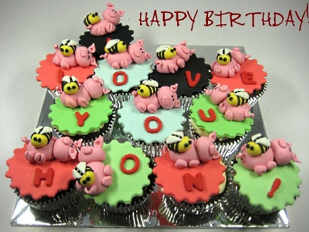 decorated-themed-birthday- cupcakes