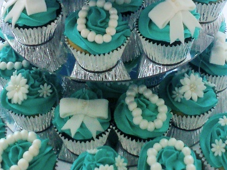 tiffany-themed- cupcakes