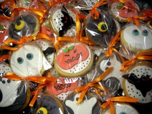 corporate-scary-halloween-cookies-Boeing