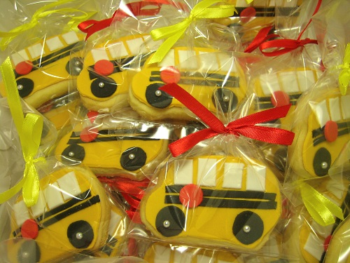 Yellow School Bus cookies