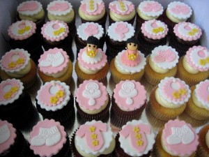 creative-baby-girl-shower-cupcakes