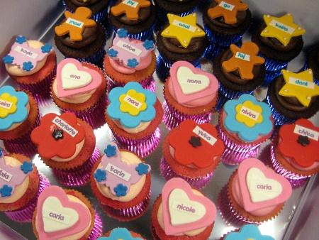 name-themed-birthday-cupcakes