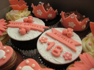 themed-birthday-cupcakes