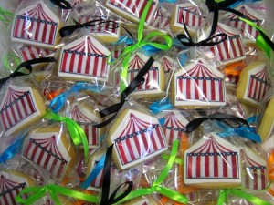 circus-tent-shaped-cookies