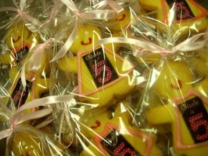 pinafore-decorated-cookies