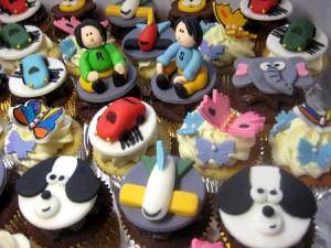doggie-plane-cupcakes